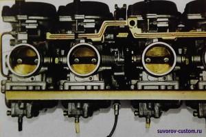 Блок карбюраторов Микуни со стороны воздушного фильтра.