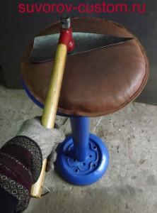 Придание небольшой выпуклости (примерно 10 мм) боковинке бака.