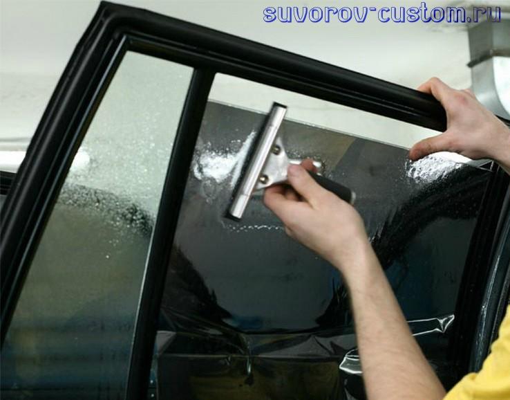 Как затонировать стекла на авто своими руками 46