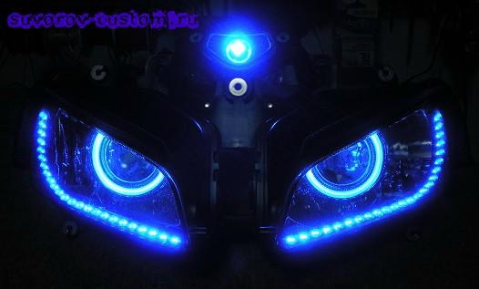 Ангельские глазки на мотоцикле
