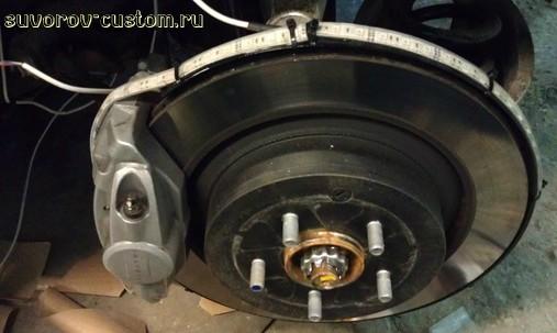 Светодиодная подсветка колёс автомобиля