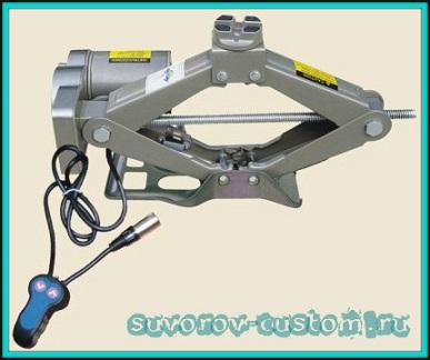 Домкрат ромбический с электроприводом и редуктором